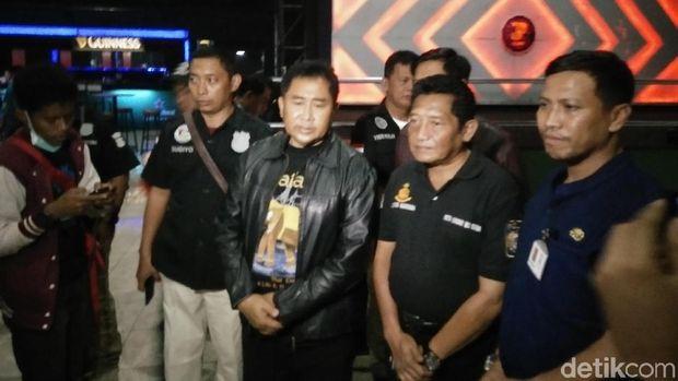 Tim Patriot, Satnarkoba Polres Bekasi Kota dan K9 Polda Metro Jaya yang terlibat penggerebak