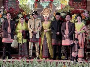 Mau Gelar Pernikahan Tradisional? Cek Referensinya di Sini