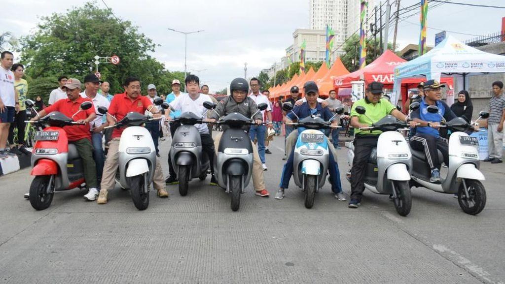 Wali Kota Jakut Kesengsem Motor Listrik
