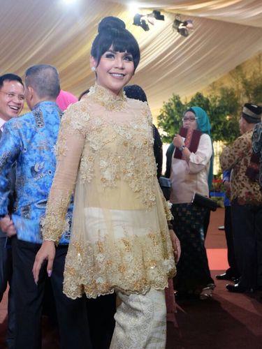Foto Adu Gaya Kebaya Selebriti Di Pernikahan Kahiyang Ayu Di Medan