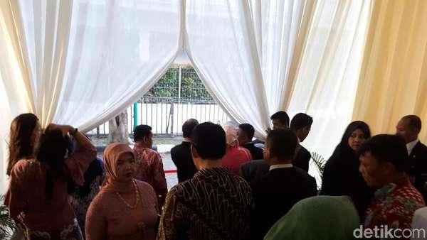 Hujan Deras Guyur Lokasi Resepsi Kahiyang-Bobby di Medan