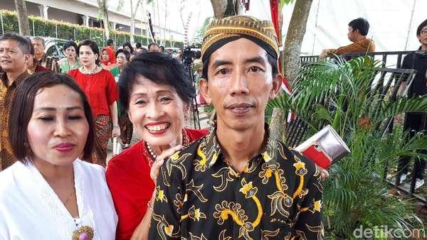 Ikut Doakan Kahiyang-Bobby, Jokowi KW: Semoga Sakinah