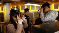 Taman rekreasi ini juga mengusung teknologi virtual reality. Dimana para pengunjung akan merasakannya lewat layar seperti kacamata dengan menaiki wahana yang dipilih (REUTERS)
