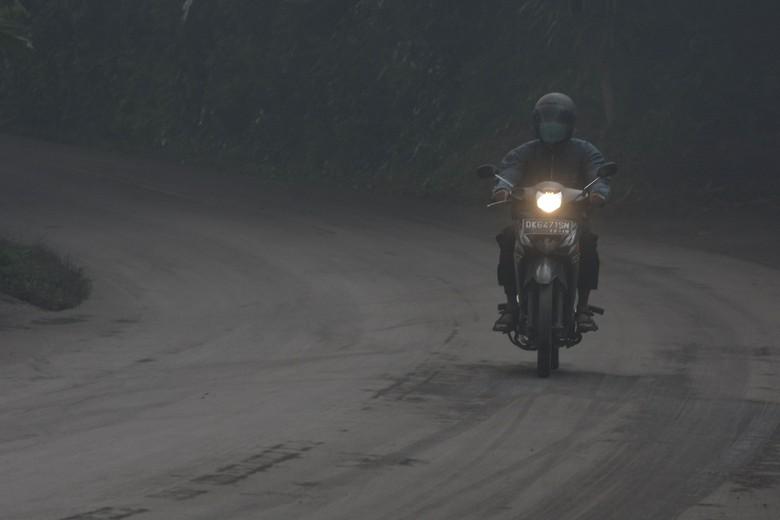 Hujan abu di Bali : Gunung Agung (Foto: Dok. Antara Foto)