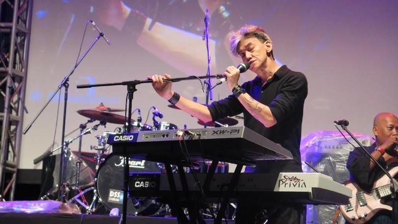 Sentuhan Akustik di Konser Fariz RM, Sang Zamrud Khatulistiwa