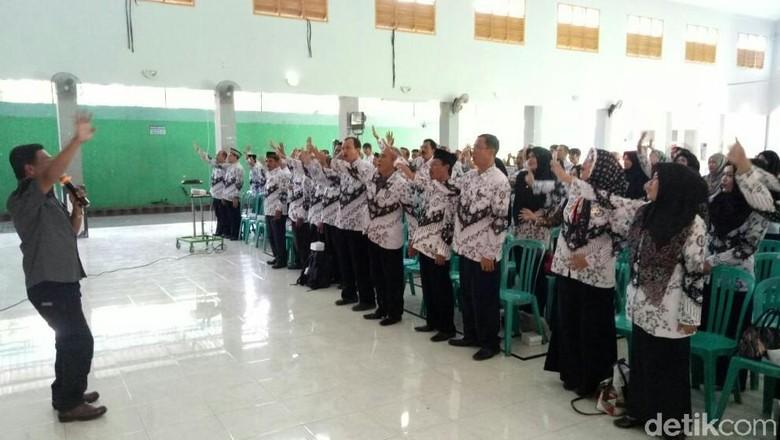 Hari Guru Polisi Ajak Aktif Sosialisasi Bahaya Narkoba