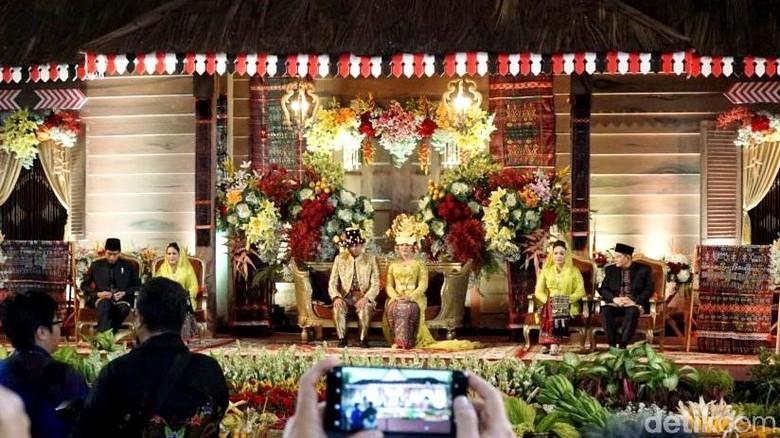 Menteri Jokowi Kagumi Kekayaan Adat di Pernikahan Kahiyang-Bobby