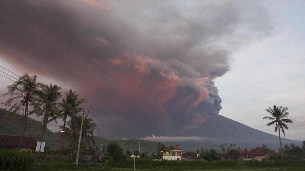 Gunung Agung Meletus, Ini Perintah Menpar Pada Hotel dan Maskapai