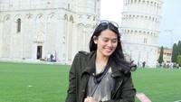 Inge Amelia Nasution diketahui adalah kakak dari Bobby Nasution, suami dari Kahiyang Ayu. Dilihat dari akun Instagramnya, ia gemar traveling ke beberapa negara (ingenst/Instagram)