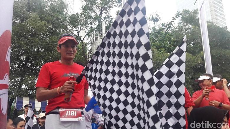 Sandiaga Ikutan Lari 6K OJK Run di SCBD