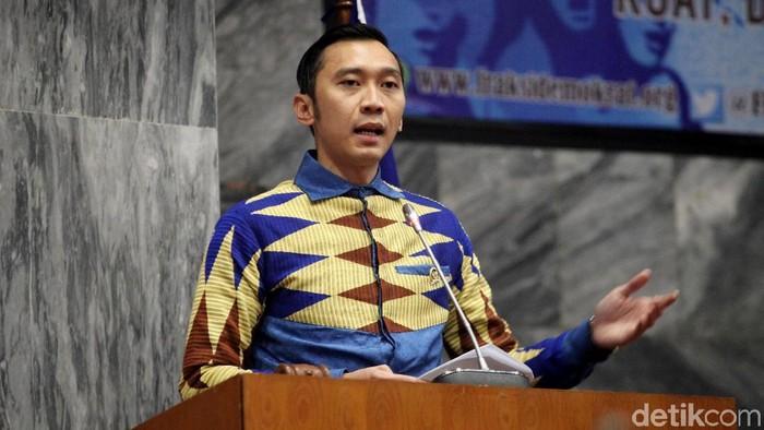 Agus Harimurti Yudhoyono menjadi salah satu pembicara di seminar nasional DPR. Turut hadir di acara tersebut Imam Nahrawi dan Ibas.