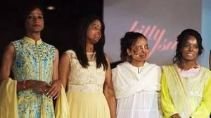 Wajah Rusak Kena Air Keras, 9 Wanita India Ikut Peragaan Busana