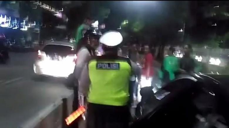Momen-momen Kontroversial Dewi Persik Berurusan dengan Polisi