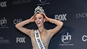 7 Fakta Menarik Demi-Leigh Nel-Peters, Pemenang Miss Universe 2017