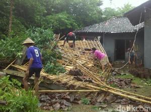Rumah Tertimpa Pohon di Purworejo, Satu Orang Luka