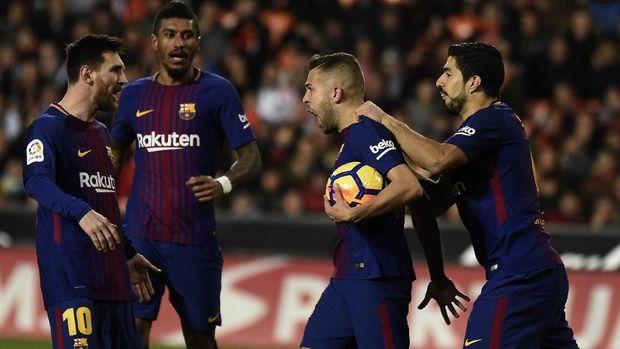 Jordi Alba masih menjadi rekan terbaik Lionel Messi di Barcelona. (