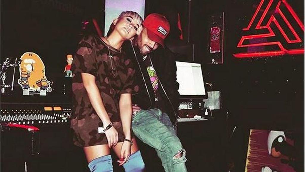 Agnez Mo Pamer Foto Mesra Bareng Chris Brown Lagi