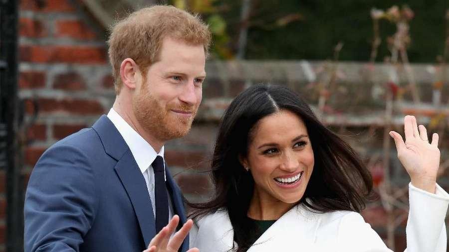 Selamat! Pangeran Harry dan Meghan Markle Resmi Tunangan