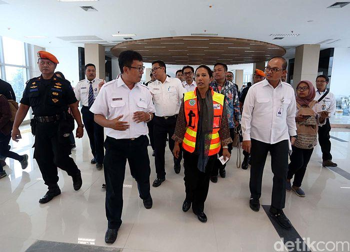 Rini langsung menuju Stasiun KA Bandara Soetta lewat Skytrain Bandara Soetta, usai mendarat di Terminal 3 Bandara Soetta setelah melakukan penerbangan dari Semarang.