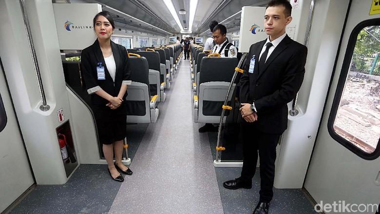 PT Railink, melakukan ujicoba kereta Bandara Soekarno-Hatta. Dari Stasiun Sudirman Baru, kereta meluncur dengan nyaman dan memakan waktu 55 menit.
