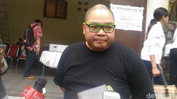 Chef Ragil Imam Wibowo saat melayat ke rumah duka Bondan Winarno