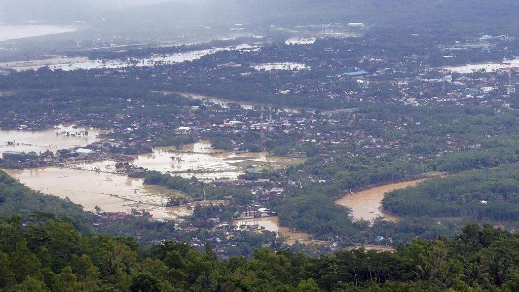 Penampakan Banjir yang Rendam Pacitan
