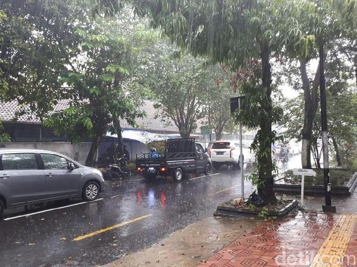 Hujan deras di Yogyakarta, Rabu (29/11/2017),