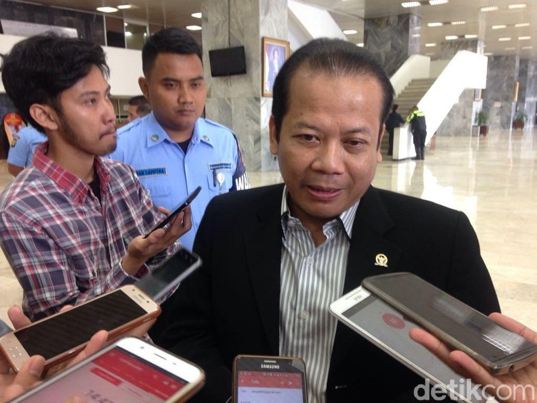 Jokowi Minta DPR Tak Buat Banyak UU, Pimpinan: Setuju Sekali!