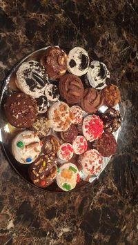 <i>So Sweet!</i> Remaja Ini Jualan <i>Cupcakes</i> Demi Biayai Pengobatan Kanker Ibunya