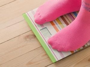 Kita Perlu Waspada Kalau Berat Badan si Kecil Turun Drastis, Bun