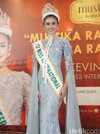 Diminta Hanya Makan Salad, Miss Iceland Mundur dari Kontes Kecantikan