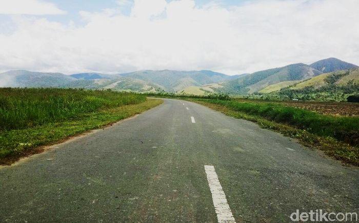Rute Manokwari-Kebar masuk dalam segmen I Trans Papua yang hubungkan Sorong-Maybrat-Manokwari. (Dok. PUPR).