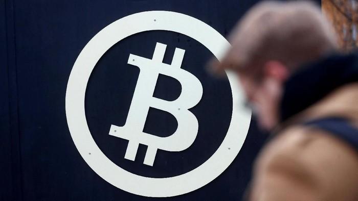 Lambang Bitcoin. Foto: Reuters