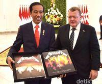 Jokowi Segera Laporkan Vinyl Metallica dari PM Denmark ke KPK