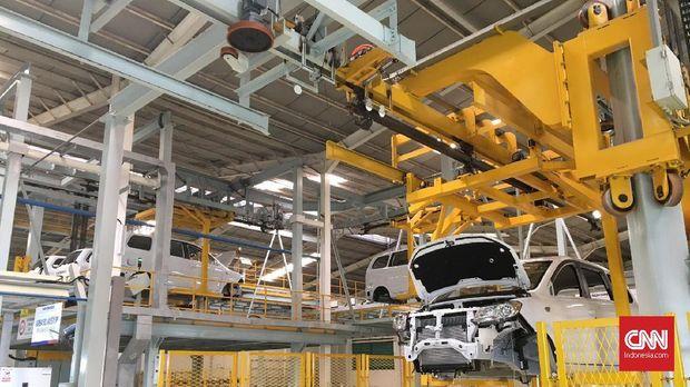 Sokonindo Automobile saat ini juga sudah melakukan produksi kendaraan pada segmen multi purpose vehicle (MPV) di pabriknya, kawasan Serang, Banten.