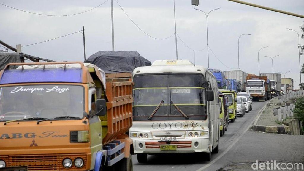 Pengusaha Bantah Truk Jadi Biang Kerok Kerusakan Jalan Pantura