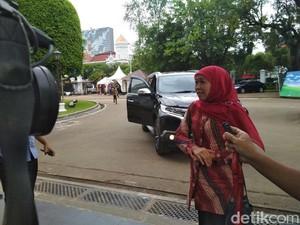 Temui Jokowi, Khofifah Mengaku Kurang Tidur