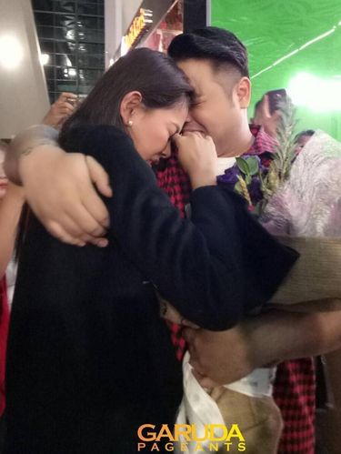Bunga Jelitha Menangis Saat Tiba di Bandara Soekarno Hatta