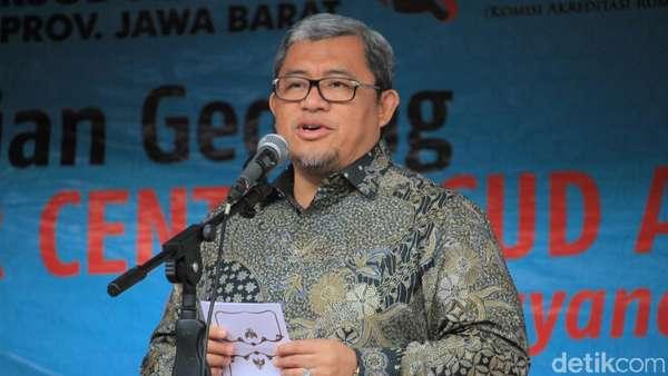 Bupati Subang Kena OTT KPK, Aher: Sedih Saya
