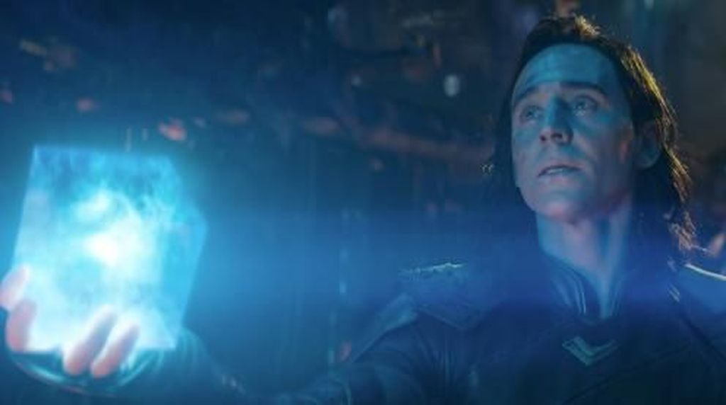 Tom Hiddleston Sebut Loki Menebus Dosa di Infinity War