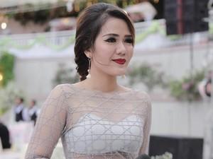 Satu Lagi Dokter Cantik Jago Nyanyi, Nggak Mau Cepat Sembuh Deh