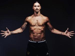 Video: Mau Kekar Seperti Ibrahimovic? Gampang, Seperti Ini Latihannya