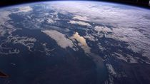 Bill Gates Dukung Live Streaming Pantau Bumi Bulat