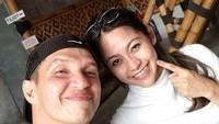Suami Ayuh Dyah Utami itu mengalami kecelakaan saat aksi tersebut hingga terluka parah. (Dok. Instagram/edison_wardhana)