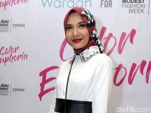 Tips Tetap Tampil Gaya Tanpa Baju Baru saat Lebaran dari Zaskia Sungkar