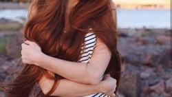 Tidak banyak yang tahu bahwa ketika masih remaja Anastasiya mengalami masalah kerontokan rambut dini. Saat ini ia dikenal sebagai model dengan julukan Rapunzel.