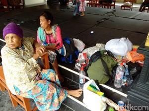 Pengungsi Banjir di Kulon Progo DIY Mulai Terserang Penyakit