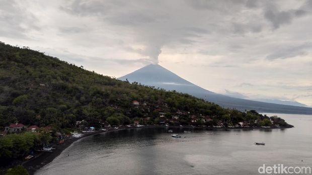 Kecemasan Nelayan Karangasem Jika Gunung Agung Erupsi Lebih Besar