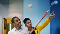 Ngajarin Obama ngecat juga bisa. Foto: Instagram Syahril Ramadhan