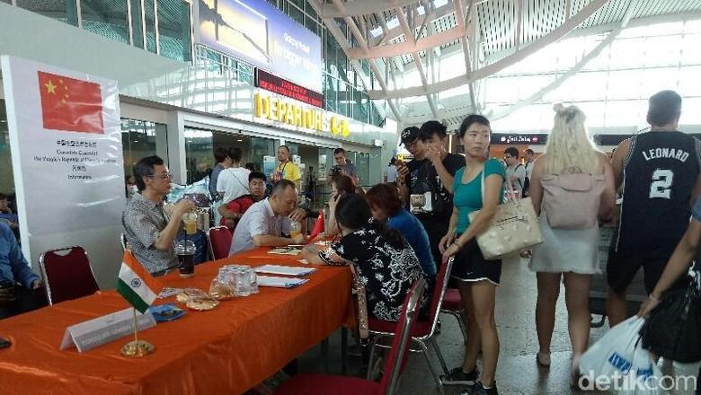 Suasana turis di Bandara Ngurah Rai Bali (Ardian/detikTravel)